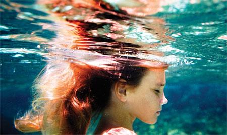 elena_kalis_under_water